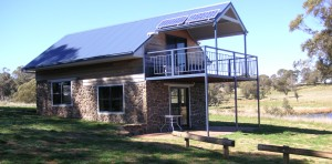 Warm comfortable cabin accommodation, Walcha, New England